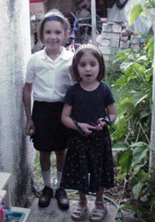 Preciosas Karla y Tania Martha Magallanes